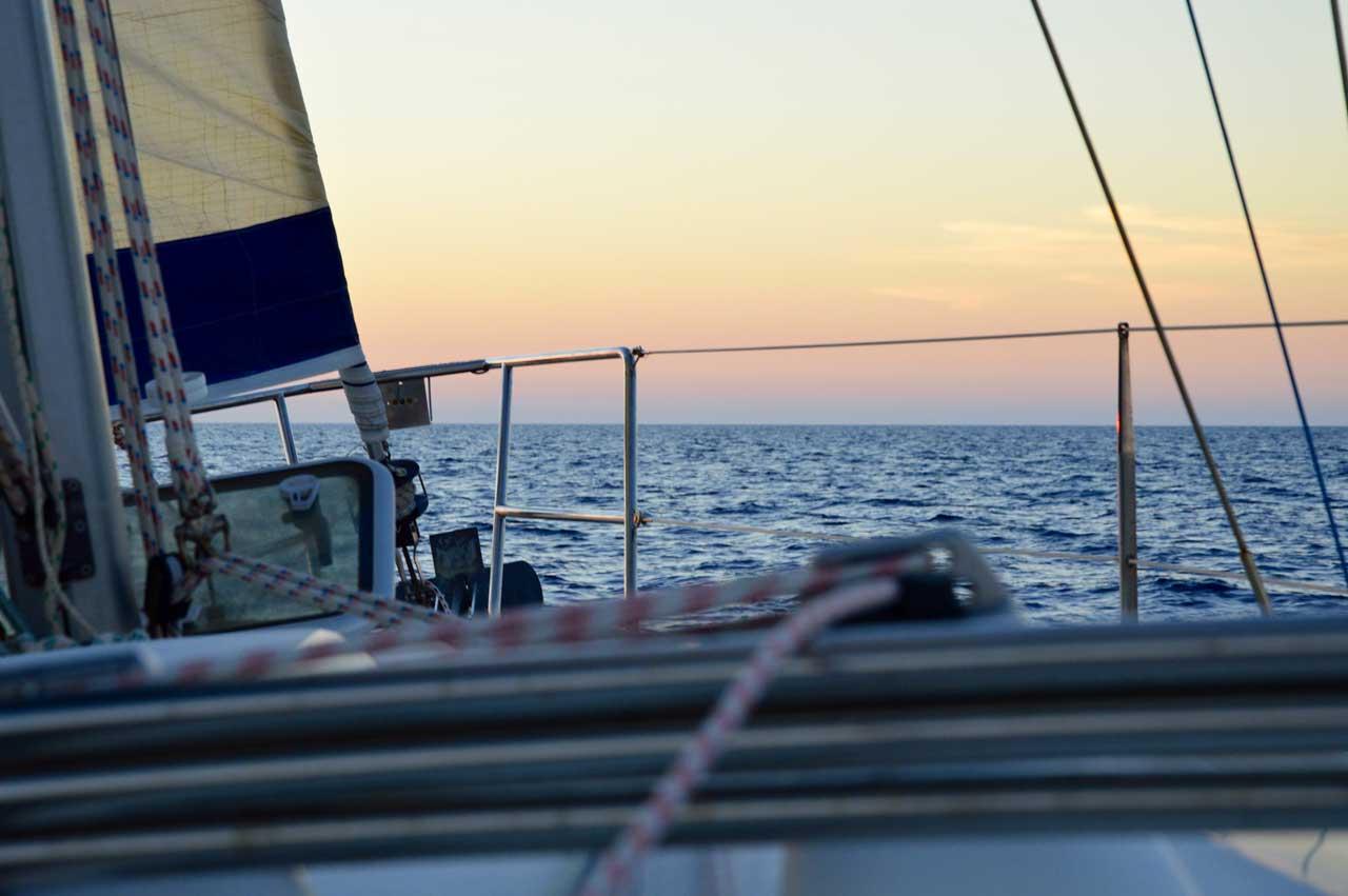 navigando al tramonto